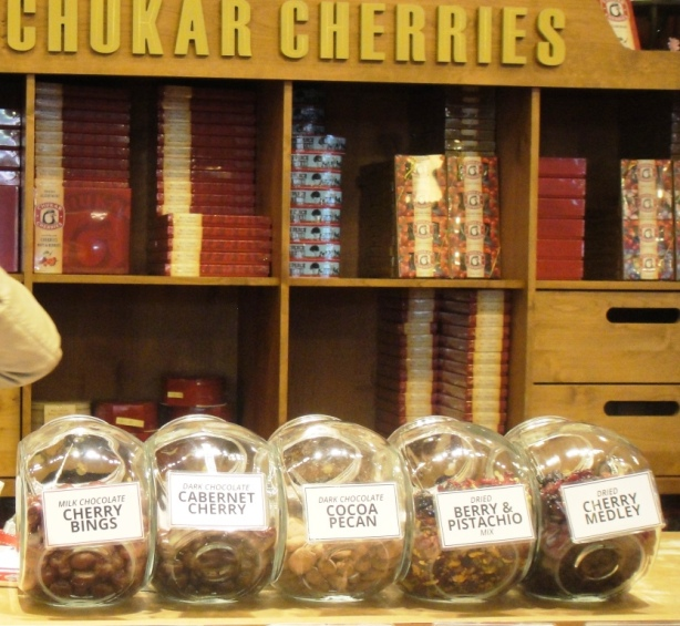 (c)jennroig - Chukar Cherries Store at Seattle's Pike Place Market